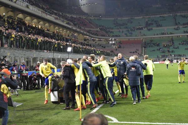 VM-KVAL: Italien-Sverige 13/11 bilder