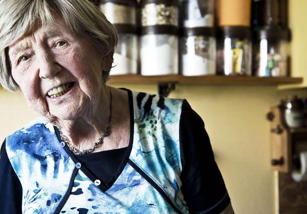 101 åriga proffsbloggaren Dagny Carlsson bilder